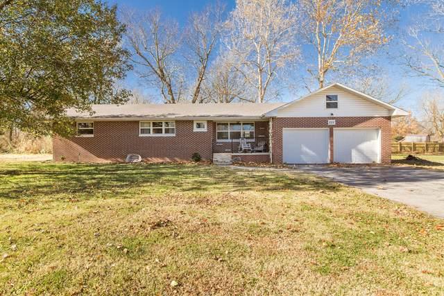 221 N Vine Street, Marshfield, MO 65706 (MLS #60178717) :: Sue Carter Real Estate Group