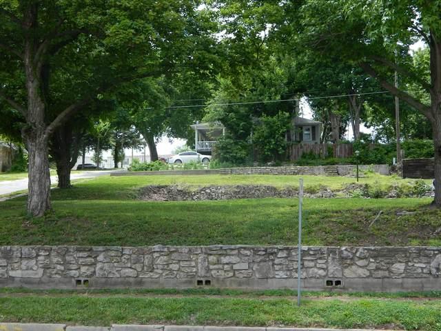 220 S Jefferson Street, Neosho, MO 64850 (MLS #60178940) :: Sue Carter Real Estate Group