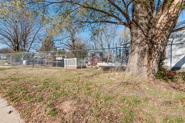 1011 W Pacific Street, Springfield, MO 65803 (MLS #60179356) :: Sue Carter Real Estate Group