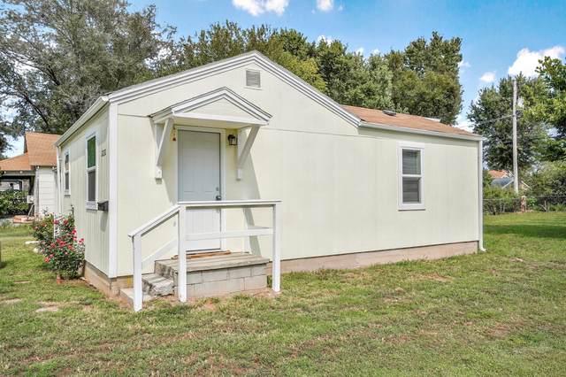 2232 N Farmer Avenue, Springfield, MO 65803 (MLS #60180204) :: Team Real Estate - Springfield