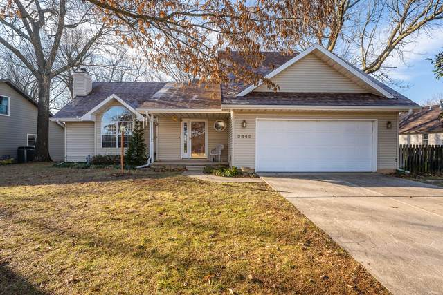3846 W Greenwood Street, Springfield, MO 65807 (MLS #60181398) :: Team Real Estate - Springfield