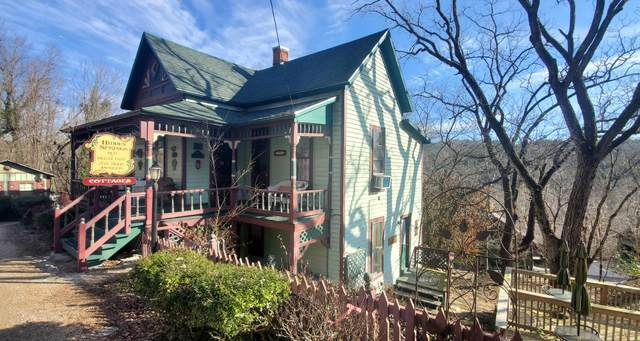 23 Hillside Avenue, Eureka Springs, AR 72632 (MLS #60181695) :: Winans - Lee Team | Keller Williams Tri-Lakes