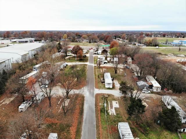 1742 E Caravan Street, Springfield, MO 65803 (MLS #60182107) :: The Real Estate Riders