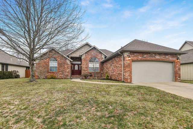 807 E Shore Line Drive, Ozark, MO 65721 (MLS #60182274) :: United Country Real Estate