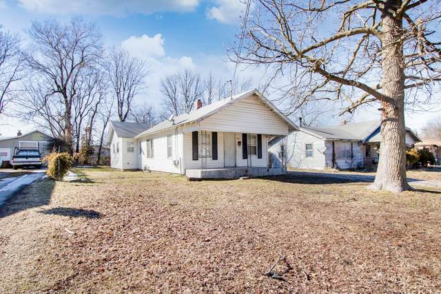 2449 N Weller Avenue, Springfield, MO 65803 (MLS #60183939) :: United Country Real Estate