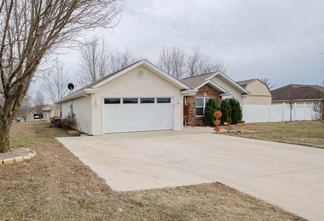 56 Leighs Way, Reeds Spring, MO 65737 (MLS #60184121) :: The Real Estate Riders
