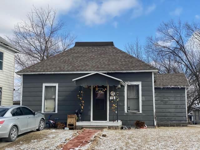 313 S Tom Street, Webb City, MO 64870 (MLS #60184581) :: Clay & Clay Real Estate Team
