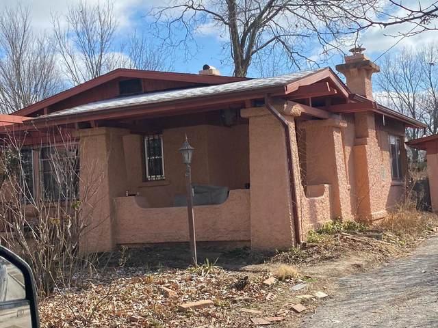 1028 W 7th Street, Webb City, MO 64835 (MLS #60184595) :: Clay & Clay Real Estate Team