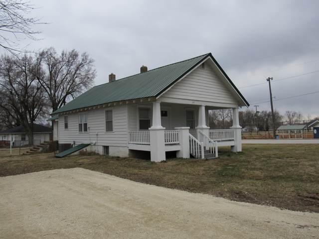 605 S Pine Street, Marshfield, MO 65706 (MLS #60184618) :: Team Real Estate - Springfield