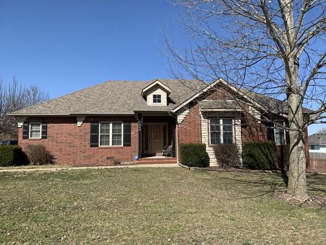 1205 E Robin Street, Ozark, MO 65721 (MLS #60184708) :: Team Real Estate - Springfield