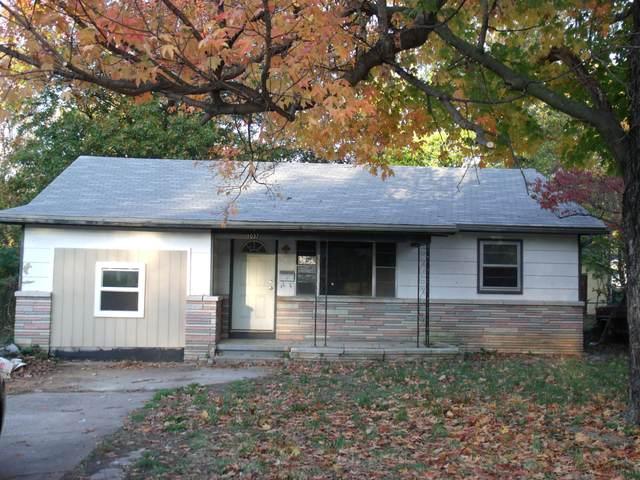 1037 N Ethyl Avenue, Springfield, MO 65802 (MLS #60184786) :: Clay & Clay Real Estate Team