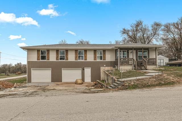 402 N Meadow Lane, Bolivar, MO 65613 (MLS #60185943) :: Team Real Estate - Springfield