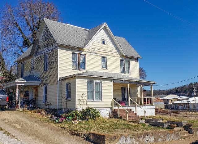 301 Third Street, Gainesville, MO 65655 (MLS #60186583) :: The Real Estate Riders