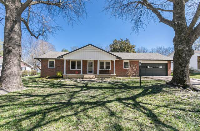 1522 S Oakland Avenue, Bolivar, MO 65613 (MLS #60186766) :: Team Real Estate - Springfield
