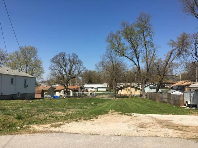 909 W Della Street, Springfield, MO 65803 (MLS #60186918) :: The Real Estate Riders