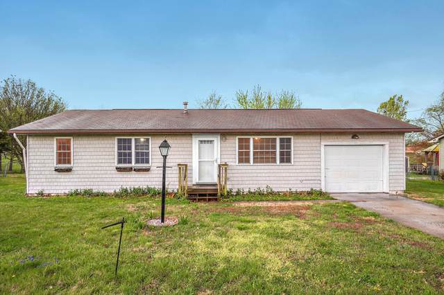 611 W County Street, Monett, MO 65708 (MLS #60187682) :: Team Real Estate - Springfield