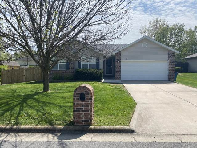 692 E Gallup Hill Road, Nixa, MO 65714 (MLS #60188045) :: Clay & Clay Real Estate Team