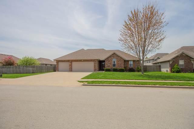 1417 S Cumberland Avenue, Republic, MO 65738 (MLS #60188102) :: Clay & Clay Real Estate Team
