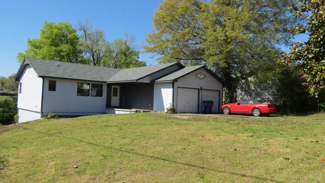 401 4th Street, Greenfield, MO 65661 (MLS #60188390) :: Clay & Clay Real Estate Team