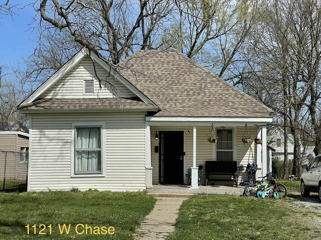 1121 W Chase Street, Springfield, MO 65803 (MLS #60188777) :: The Real Estate Riders