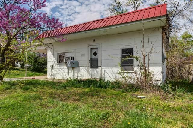 223 W Buffalo Street, Bolivar, MO 65613 (MLS #60188861) :: The Real Estate Riders