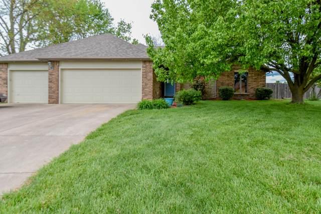 701 W Robinwood Lane, Nixa, MO 65714 (MLS #60189561) :: Winans - Lee Team   Keller Williams Tri-Lakes