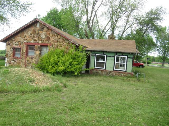 2 W Dade County 122, Greenfield, MO 65661 (MLS #60189582) :: Clay & Clay Real Estate Team