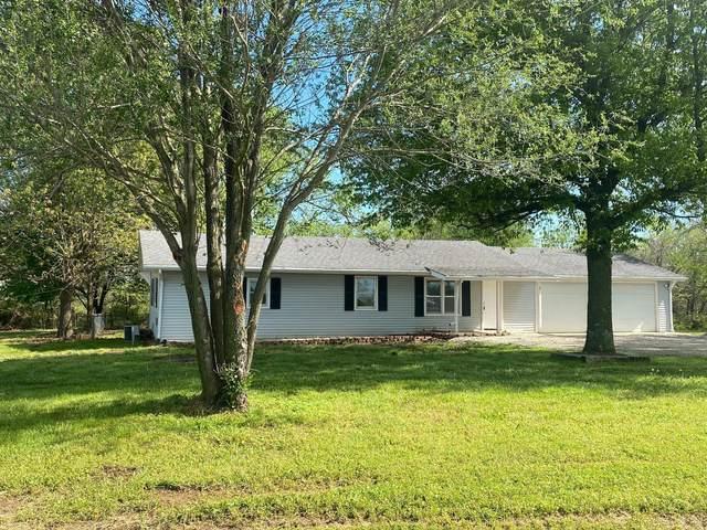1301 E 420th Road, Bolivar, MO 65613 (MLS #60189753) :: Team Real Estate - Springfield