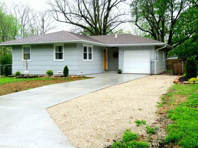 410 N Mill Street, Marshfield, MO 65706 (MLS #60189889) :: Winans - Lee Team | Keller Williams Tri-Lakes
