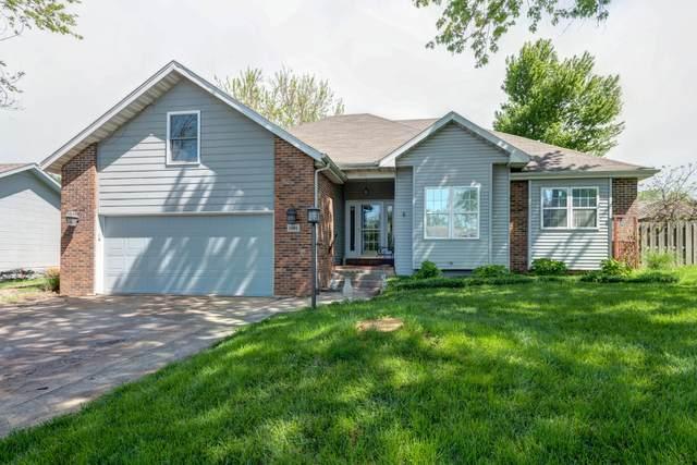 1001 April Drive, Ozark, MO 65721 (MLS #60189913) :: The Real Estate Riders