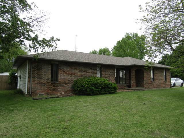 2206 W South Street, Bolivar, MO 65613 (MLS #60190091) :: Sue Carter Real Estate Group