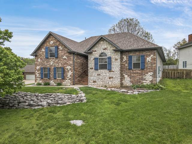 2481 W Chatsworth Court, Springfield, MO 65810 (MLS #60190299) :: Clay & Clay Real Estate Team