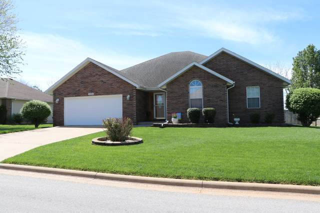 1604 E Barnes Street, Ozark, MO 65721 (MLS #60190564) :: Tucker Real Estate Group | EXP Realty