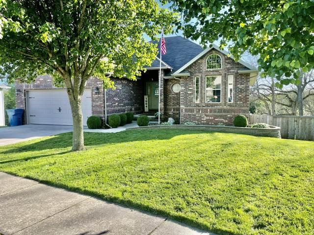 1004 E Fieldstone Drive, Ozark, MO 65721 (MLS #60190583) :: Clay & Clay Real Estate Team