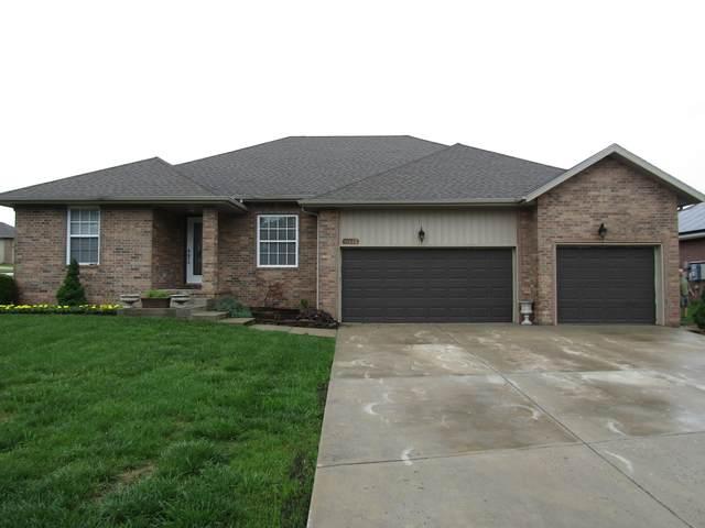 1755 S Thomas Drive, Ozark, MO 65721 (MLS #60191157) :: Clay & Clay Real Estate Team