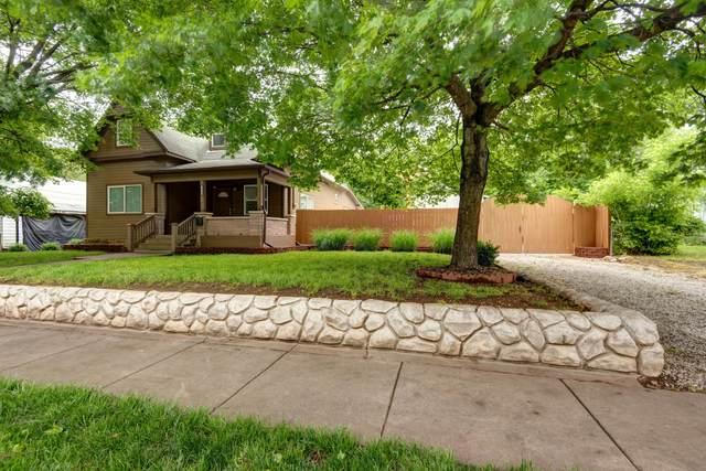 2020 N Howard Avenue, Springfield, MO 65803 (MLS #60191173) :: Team Real Estate - Springfield