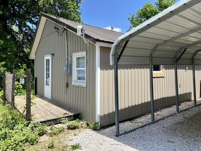 604 S Church Street, Stockton, MO 65785 (MLS #60191717) :: Clay & Clay Real Estate Team
