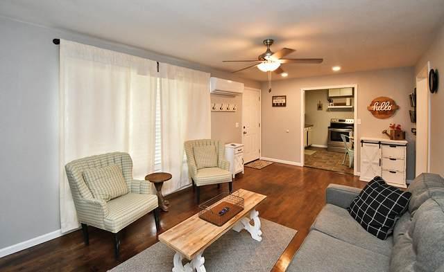 403 S Church Street, Stockton, MO 65785 (MLS #60191798) :: Clay & Clay Real Estate Team