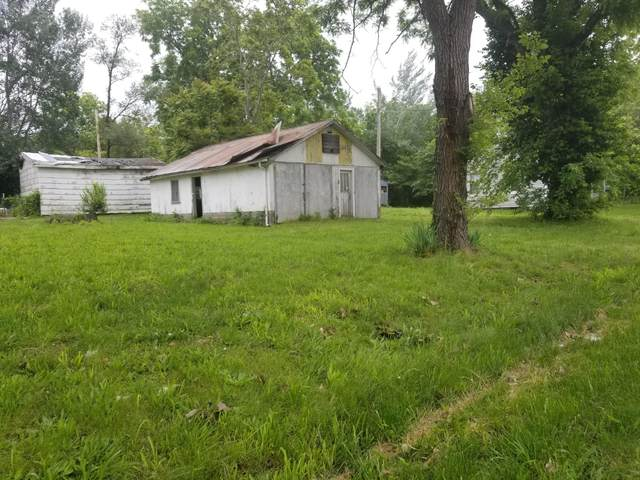 122 W Olive Street, El Dorado Springs, MO 64744 (MLS #60192075) :: Clay & Clay Real Estate Team