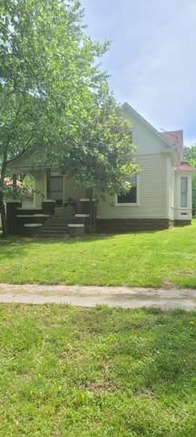715 4th Street, Monett, MO 65708 (MLS #60192272) :: Clay & Clay Real Estate Team