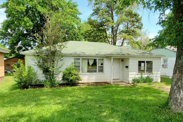 1045 5th Street, West Plains, MO 65775 (MLS #60192369) :: Clay & Clay Real Estate Team