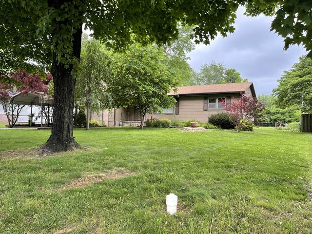 2733 W Grand Street, Springfield, MO 65802 (MLS #60192588) :: Clay & Clay Real Estate Team