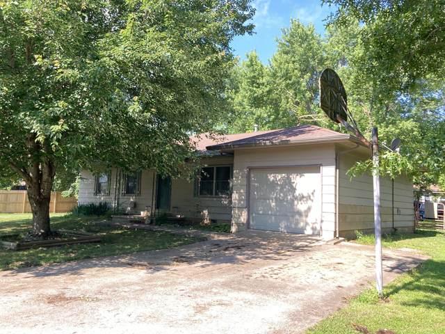 819 N High Street, Stockton, MO 65785 (MLS #60192610) :: Sue Carter Real Estate Group
