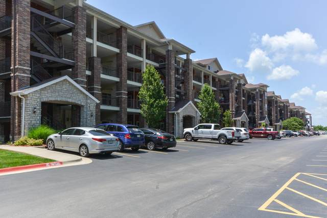 200 Majestic Drive #406, Branson, MO 65616 (MLS #60192914) :: Clay & Clay Real Estate Team