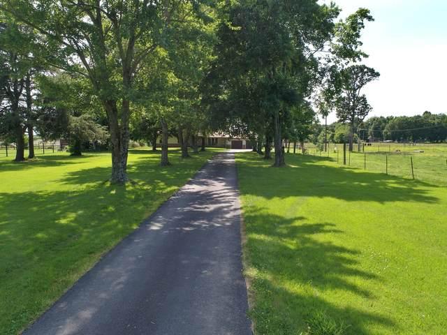 2750 Oakridge Ext, Neosho, MO 64850 (MLS #60193279) :: Clay & Clay Real Estate Team