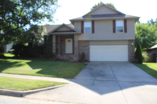 325 N Cedarwood Avenue, Republic, MO 65738 (MLS #60193290) :: Sue Carter Real Estate Group