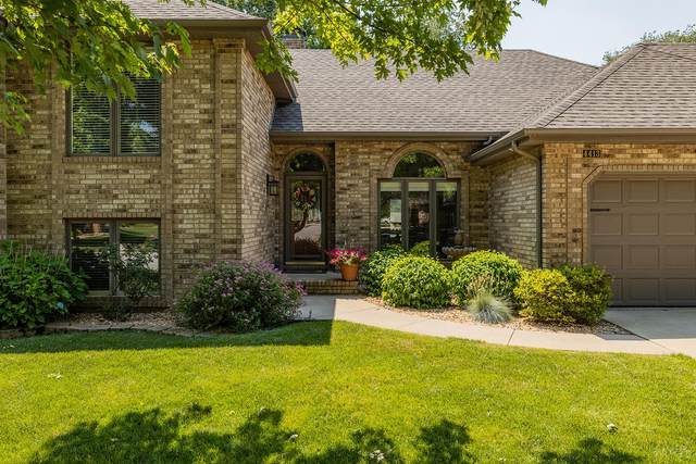 4413 S Parkhill Avenue, Springfield, MO 65810 (MLS #60193504) :: Sue Carter Real Estate Group