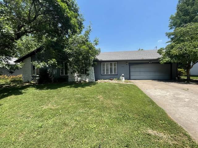 1503 E Hanover Street, Springfield, MO 65804 (MLS #60193507) :: Team Real Estate - Springfield