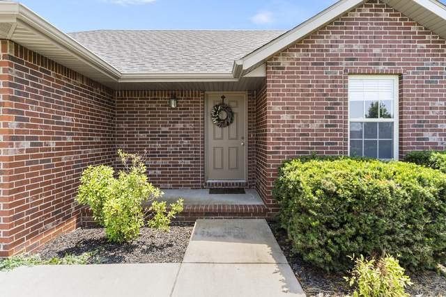 1216-E E Chesapeake Drive, Ozark, MO 65721 (MLS #60193520) :: Team Real Estate - Springfield