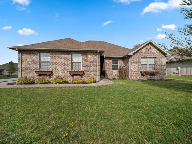 5701 N Seacrest Drive, Ozark, MO 65721 (MLS #60193977) :: Clay & Clay Real Estate Team
